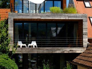 Architekturbüro 011 Minimalist houses