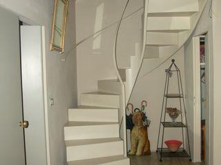 Studio Mazzei Architetti Modern corridor, hallway & stairs