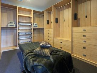 Piwko-Bespoke Fitted Furniture 更衣室衣櫥與櫥櫃
