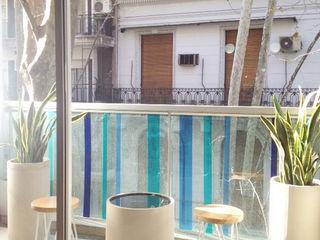 Un Balcón de Agua Estudio Nicolas Pierry: Diseño en Arquitectura de Paisajes & Jardines Balcones y terrazas modernos: Ideas, imágenes y decoración
