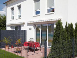 Traumhaus das Original - Dirk van Hoek GmbH Classic style garden