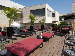 Lounge Solarium - Christie Cornelio e Diego Arasanz Green House Moveis Locais de eventos modernos