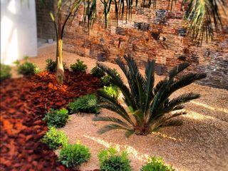 EcoEntorno Paisajismo Urbano Minimalist style garden