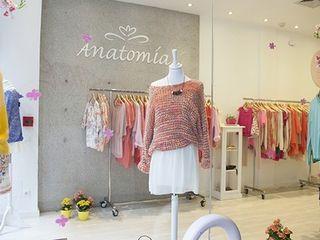 """TIENDA """"ANATOMIA"""". C/ LAGASCA. MADRID. 2014 Bescos-Nicoletti Arquitectos Oficinas y tiendas de estilo ecléctico"""