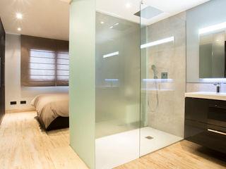 Empresa constructora en Madrid Minimalist bathroom