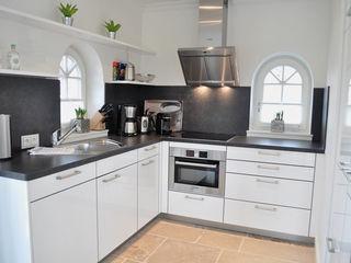 Haus auf Sylt III SALLIER WOHNEN HAMBURG Moderne Küchen
