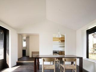 下北方の家/宮崎市の住宅 山田伸彦建築設計事務所 モダンデザインの リビング