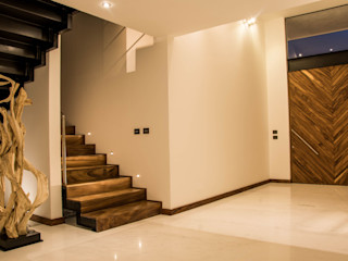 [TT ARQUITECTOS] Moderne gangen, hallen & trappenhuizen