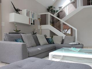 Agence ADI-HOME Ruang Keluarga Modern