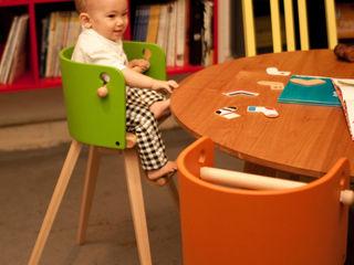 佐々木デザインインターナショナル株式会社 Living roomStools & chairs
