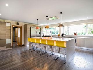 Countryside Retreat - Living Space Lisa Melvin Design KitchenCabinets & shelves