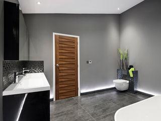 Rock Star Bathroom Lisa Melvin Design Baños de estilo moderno