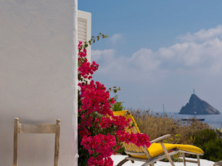 Mediterranean villa, Panarea, Aeolian Islands, Sicily Adam Butler Photography Akdeniz Balkon, Veranda & Teras