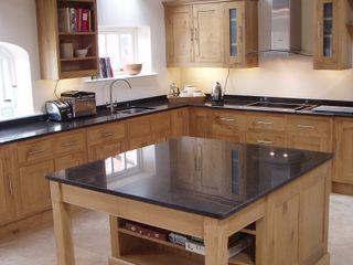 Oak kitchen Churchwood Design Cucina in stile classico