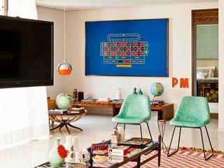 CARMELLO ARQUITETURA Living roomStools & chairs
