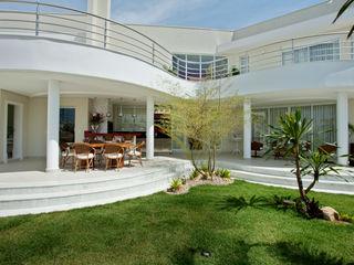 Designer de Interiores e Paisagista Iara Kílaris BahçeOcak & Barbekü