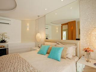 Designer de Interiores e Paisagista Iara Kílaris Modern Bedroom