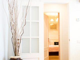 muxo Studio Scandinavian style corridor, hallway& stairs