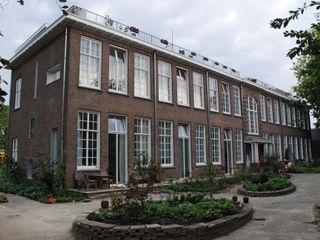 Gunneweg & Burg Classic style houses