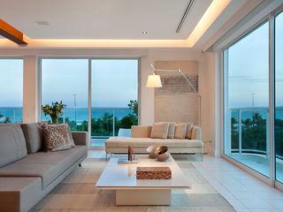 Paula Neder Arquitetos Associados / Studio PN Living roomLighting