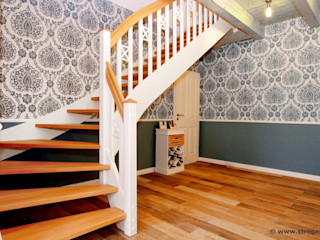 STREGER Massivholztreppen GmbH Country style corridor, hallway& stairs
