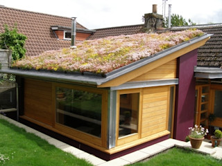 Domestic Installations Sky Garden Ltd Country style garage/shed