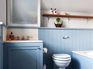 Bathroom homify Kamar Mandi Modern