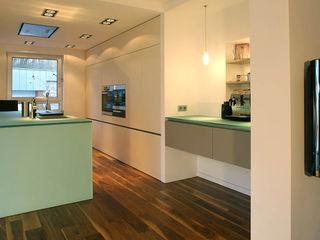 Küche V. rother küchenkonzepte + möbeldesign Gmbh Moderne Küchen