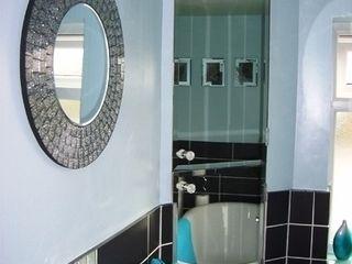 Bathroom Kerry Holden Interiors 現代浴室設計點子、靈感&圖片
