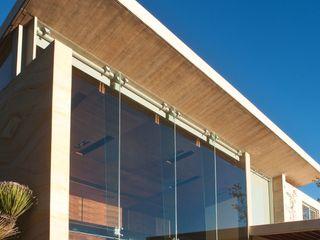AV Residence Gantous Arquitectos Casas estilo moderno: ideas, arquitectura e imágenes