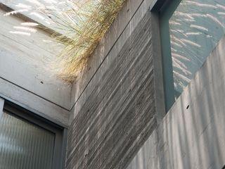 Gantous Arquitectos Paredes y pisos modernos