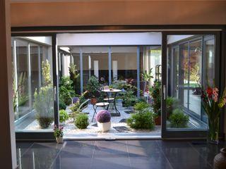 Autorskie Studio Projektu QUBATURA Balcones y terrazas de estilo moderno