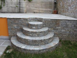 Luserna Stone Balcones y terrazas de estilo mediterráneo