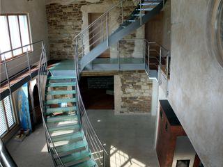 lifestyle-treppen.de Modern corridor, hallway & stairs