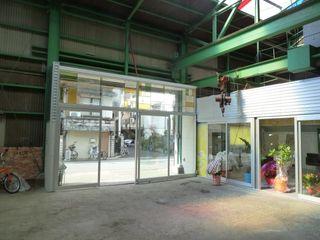 アーテック・にしかわ/アーテック一級建築士事務所 Espaces commerciaux originaux