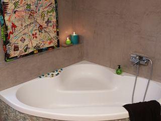 Salle de bain béton ciré Les Bétons de Clara Salle de bain moderne