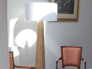 Studio OPEN DESIGN Sala de jantarIluminação Madeira maciça