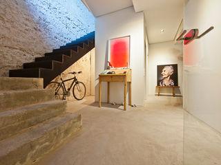 CIP Architekten Ingenieure Pasillos, vestíbulos y escaleras industriales