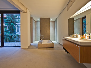 CIP Architekten Ingenieure Industrial style bathroom