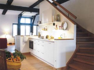 v. Bismarck Architekt Country style kitchen