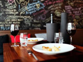 Carafes Magisso Modern dining room