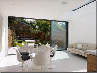 Rear Extension, De Beauvoir, London Gullaksen Architects Sala da pranzo minimalista