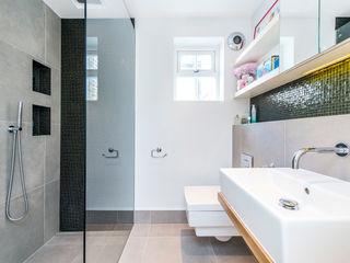 Bathroom homify Casas de banho modernas