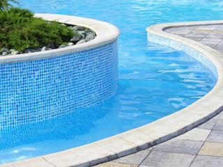 Piscina color mosaico RENOLIT ALKORPLAN3000 RENOLIT ALKORPLAN Piscinas de estilo mediterráneo