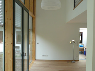 Haus S waldorfplan architekten Moderne Wohnzimmer