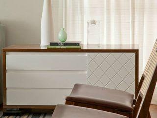 CARMELLO ARQUITETURA Living roomShelves