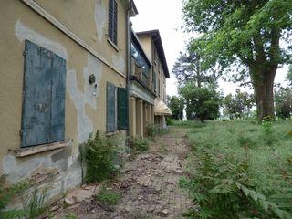 Villa Laparma Case in stile rustico
