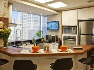 Tania Bertolucci de Souza | Arquitetos Associados Modern Kitchen