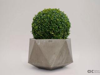 Femkant Concrete Planter Adam Christopher Design JardínJarrones y macetas Concreto Gris