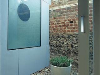 Quaker Barns Hudson Architects Modern garage/shed